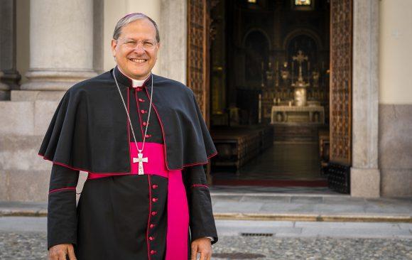 Mons. Gallese: «Anche se ci distruggessero tutte le chiese, avremmo il tempio dove adorare Dio»